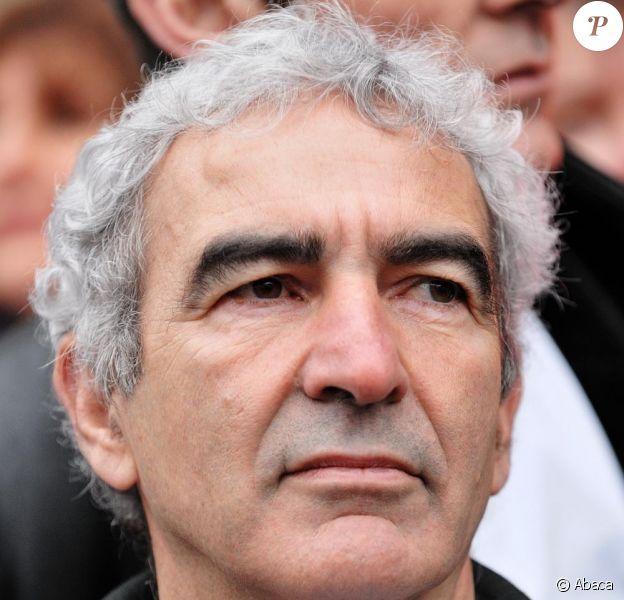 Le torrent médiatique continue de se déverser sur l'Equipe de France, dont quatre joueurs sont impliqués dans une affaire de proxénétisme sur mineurs.