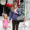 Les enfants de Mark Wahlberg, Michael et Ella Rae, vont au karaté avec leur maman (10 avril 2010, Los Angeles)