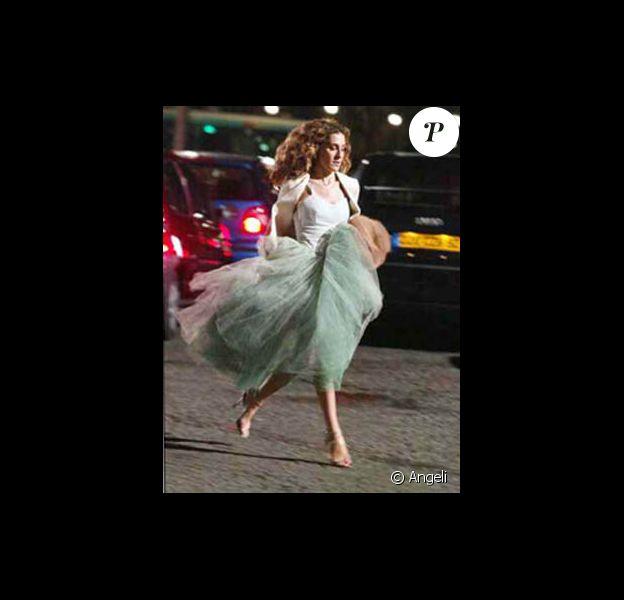 Sarah Jessica Parker dans son rôle de Carrie Bradshaw