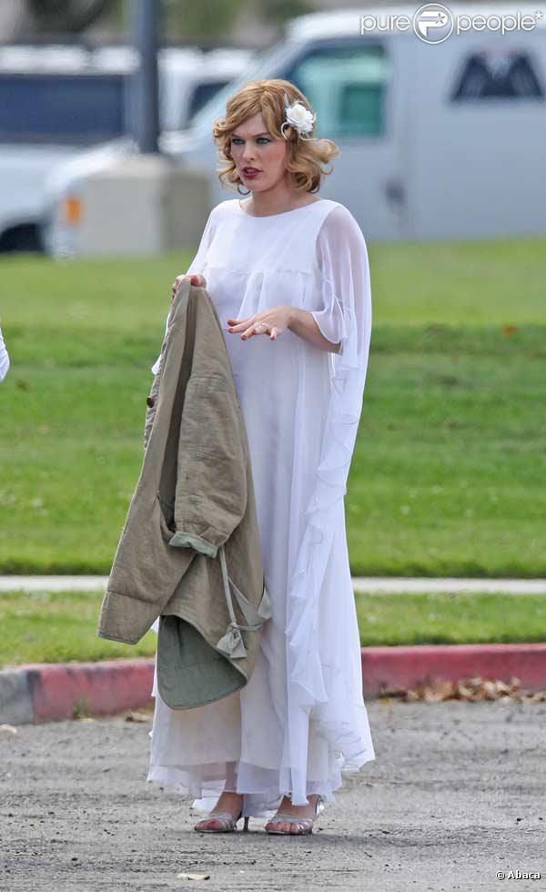 Milla Jovovich en plein tournage de Dirty Girl à Los Angeles