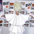 Lady Gaga adore cette idée et lui emboîte aussitôt le pas !