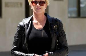 Melanie Griffith, 52 ans, affiche une superbe silhouette dans les rues de Beverly Hills !