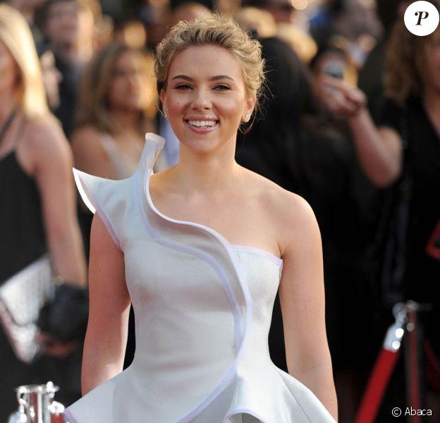 Scarlett Johansson lors de l'avant-première mondiale d'Iron Man 2, qui s'est tenue à Hollywood, à Los Angeles, le 26 avril 2010.
