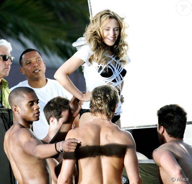 Kylie Minogue sur le tournage de son nouveau clip, All the Lovers, à Los Angeles, le 8 mai 2010 !