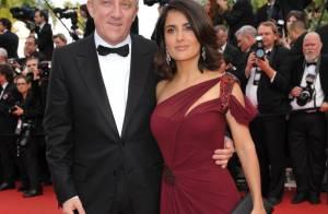Cannes 2010 - Salma Hayek littéralement impériale, non loin d'un Jean-Claude Van Damme amoureux !