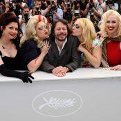 Cannes 2010 - Le show de Mathieu Amalric avec de pétulantes stripteaseuses... et les charmes de l'Italie et de la Chine !