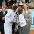 16 mai 2010 : Rafael Nadal bat Roger Federer et remporte le tournoi de Madrid, récompensé par la reine Sofia