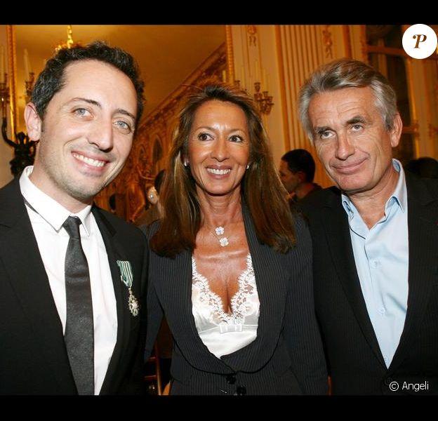 Le producteur Gilbert Coullier, son épouse Nicole et Gad Elmaleh