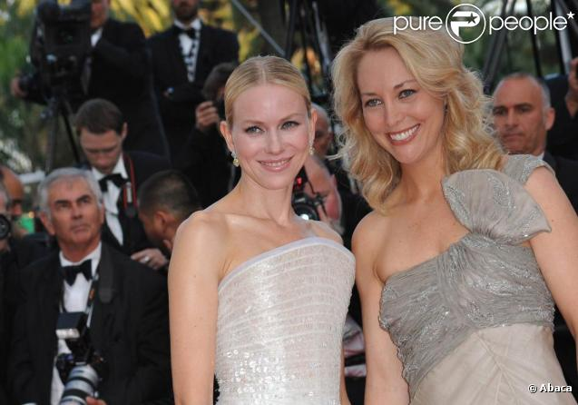 Naomi Watts et Valerie Plame montent les marches du 63e festival de Cannes, à l'occasion de la projection de Fair Game. Le 20 mai 2010