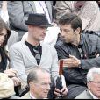 Frank Leboeuf, une amie et Patrick Bruel à Roland-Garros, le 1er juin 2010.