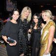 Courteney, Laura Dern, Vanessa Hudgens et Busy Philipps ont passé une excellente soirée. 1/06/2010