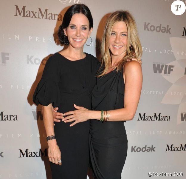 Jennifer Aniston et Courteney Cox : deux amies épanouies à la soirée organisée par Madame Nicola Gerber Maramotti !