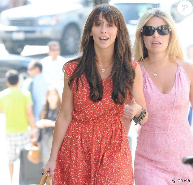 Jennifer Love Hewitt en pleine séance shopping, le 5 juin à Beverly Hills