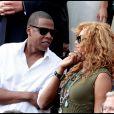 Beyoncé et Jay-Z assistent à la finale Hommes de Roland-Garros le 6 juin 2010 : Jay-Z affiche sa tendresse !