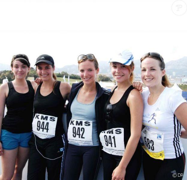 Aurélie Vaneck, Laetitia Milot, Coline d'Inca, Elodie Varlet et Dounia Coesens à l'arrivée de la Marseillaise des Femmes. 13 juin 2010