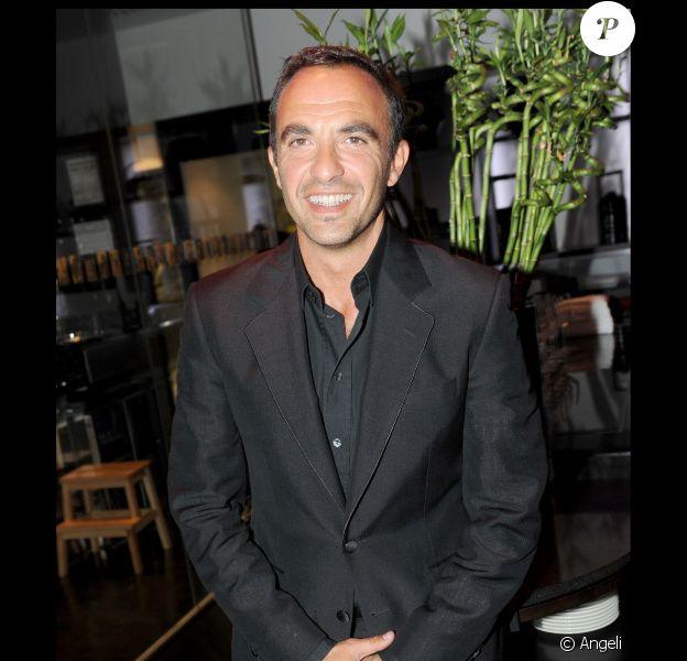 Nikos au premier anniversaire de l'Hôtel Renaissance Paris Arc de Triomphe, le 14 juin 2010.