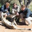 Les princes William et Harry entameront mercredi 16 juin 2010 leur première tournée de bienfaisance conjointe à l'étranger. Mardi 15 juin, ils ont visité ensemble une réserve naturelle au Bostwana et fait... quelques rencontres !