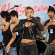 Miley Cyrus interprète  Party in the USA  et  Can't be tamed , sur le plateau de  Good Morning America , vendredi 18 juin.