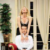 Regardez Alexandra Vandernoot, très sexy, mener son président de mari par le bout du nez !