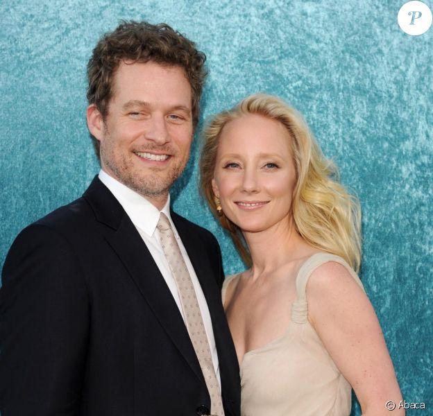Anne Heche et James Tupper à l'occasion de l'avant-première de la deuxième saison de Hung (série HBO), au Paramount Theatre de Los Angeles, le 23 juin 2010.