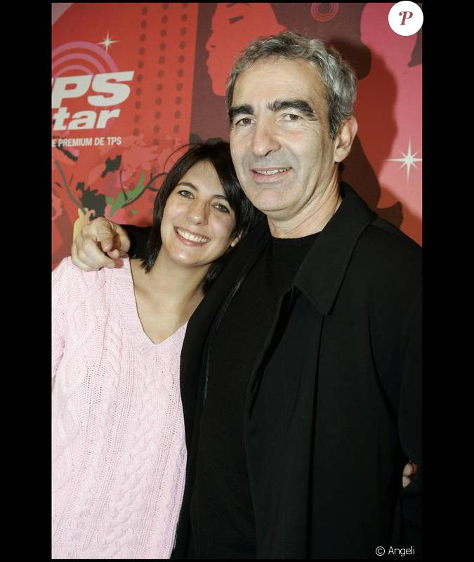 estelle denis et raymond domenech en 2004 lors d 39 une. Black Bedroom Furniture Sets. Home Design Ideas