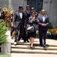 Janet, Tito, Randy et Jermaine Jackson au cimetière Forest Lawn de Los Angeles, où est enterré Michael Jackson, le 25 juin 2010.