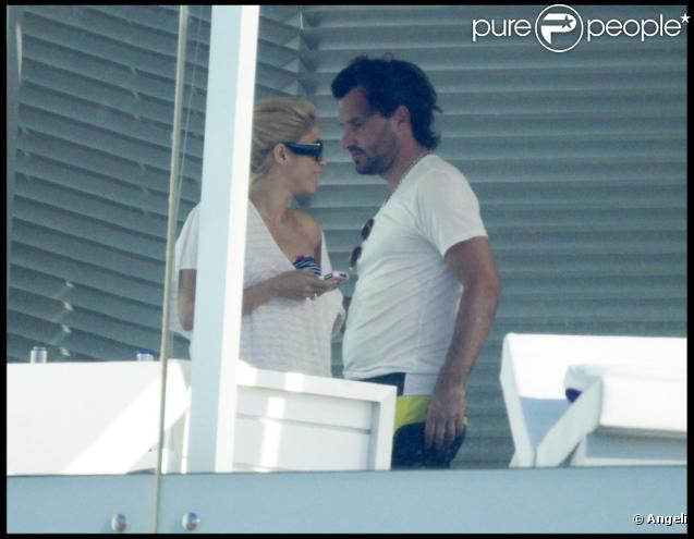 Shakira et son amoureux Antonio de la Rua à Barcelone le 22 juin 2010