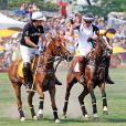 Le 27 juin 2010, le prince Harry, dans le cadre de sa visite de trois jours à New York pour promouvoir sa fondation Sentebale, participait à match de polo de charité, au cours duquel il a chuté.