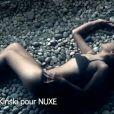 Sonja Kinski pour l'Huile Prodigieuse Or de NUXE