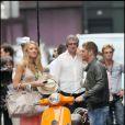 Leighton Meester et Blake Lively en plein tournage de la série Gossip Girl à Paris, le 5 juillet 2010