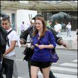 Leighton Meester en plein tournage de la série Gossip Girl à Paris, le 5 juillet 2010