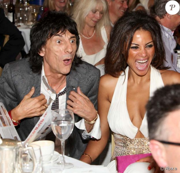 Silver Clef Awards à Londres, le 2 juillet 2010 : Ronnie Wood et Anna Araujo