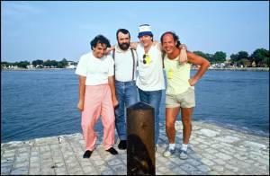 Obsèques du chanteur et producteur Francis Vacher : Julien Courbet, Jean-Luc Reichmann et ses proches lui ont dit adieu...