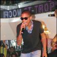 Pharrell Williams sur la scène du VIP Room, à Saint-Tropez, le 11 juillet 2010