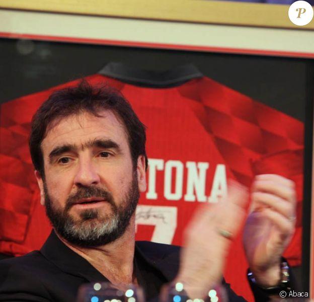 Eric Cantona a bien le coeur anglais : après les événements de la Coupe du monde 2010, rien ne le consterne autant que l'état du foot... anglais.