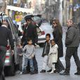 Brad Pitt et Angelina Jolie, et leurs enfants (il ne manque que les jumeaux)