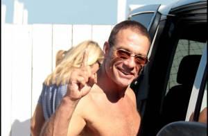 Jean-Claude Van Damme au top de sa forme : après la plage, il swingue avec Martin Solveig !
