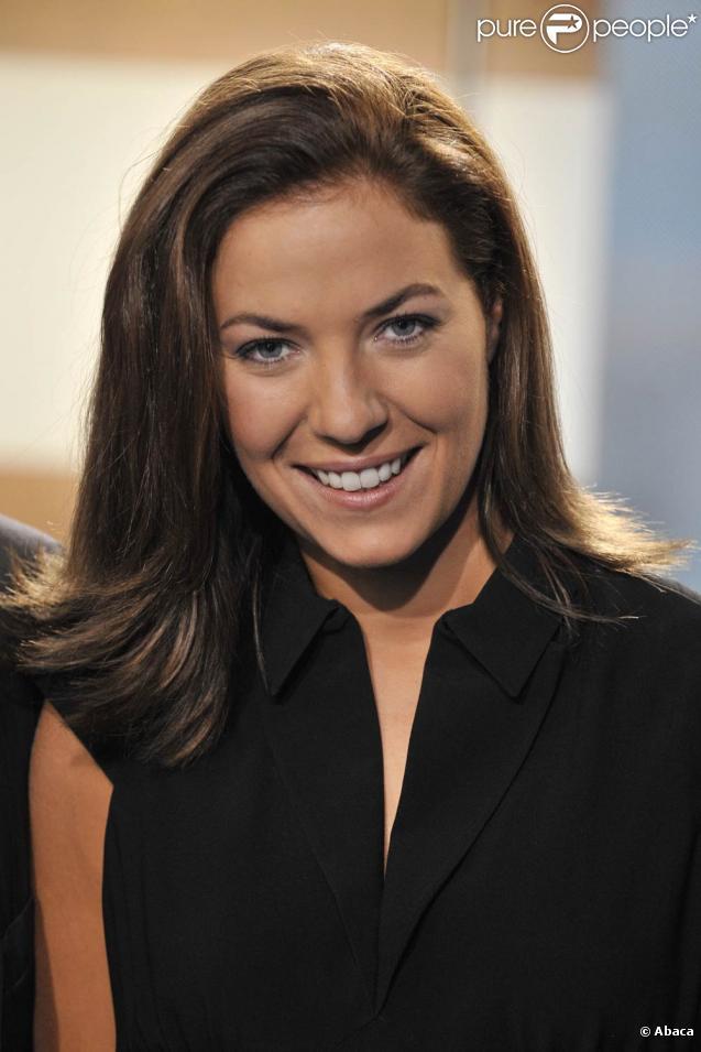 Claire Barsacq, présentatrice du  19:45  sur M6, a donné naissance à un petit garçon en juillet 2010 !