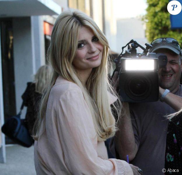 Mischa Barton et Fearne Cotton à Beverly Hills. La comédienne arbore un joli look. 15/08/2010
