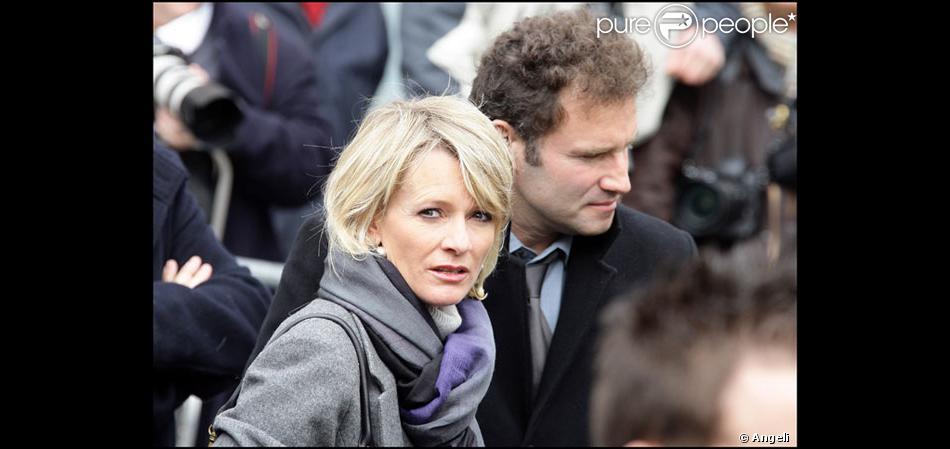 Pierre sled et sa femme sophie davant attrist s par la perte de thierry gilardi - Sophie jovillard et sa compagne ...