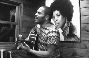 Lenny Kravitz : Découvrez son hommage bouleversant à sa mère !