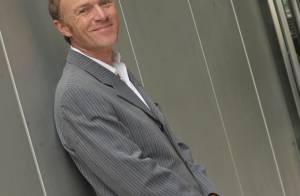 Christophe Hondelatte : après avoir gravement taclé le concept... il se lance dans la télé-réalité !