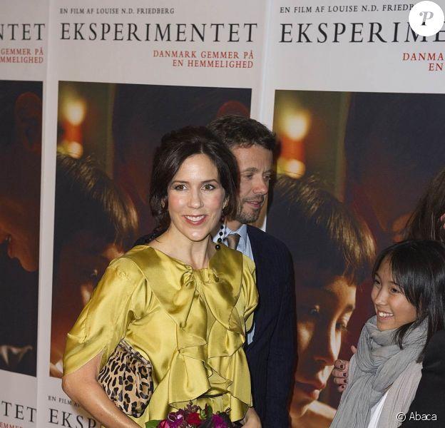 Mary et Frederik de Danemark à l'avant-première, le 7 septembre 2010 à Copenhague, du film documentaire Eksperimentet.