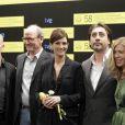 Ryan Murphy, Richard Jenkins, Julia Roberts et Javier Bardem au 58e Festival du Film de San Sebastian, où elle a été honorée du Prix Donostia, le 20 septembre 2010.