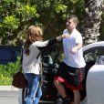 Demi Lovato apparaît très complice avec un jeune homme, samedi 25 septembre, à Los Angeles... Ce n'est autre que Rob, le petit frère des soeurs Khloe, Kim et Kourtney Kardashian.