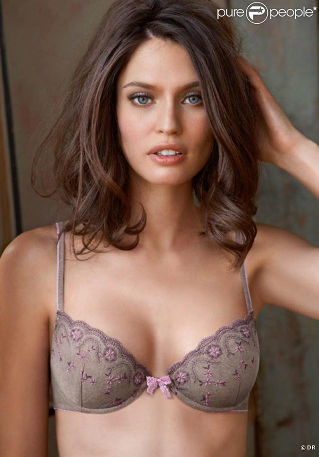La ravissante Bianca Balti pour la nouvelle campagne de la collection 2010 de la lingerie Intimissimi.