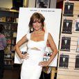 Lisa Rinna présente son livre Starlit chez Barnes & Nobel à New York, le 5 octobre 2010