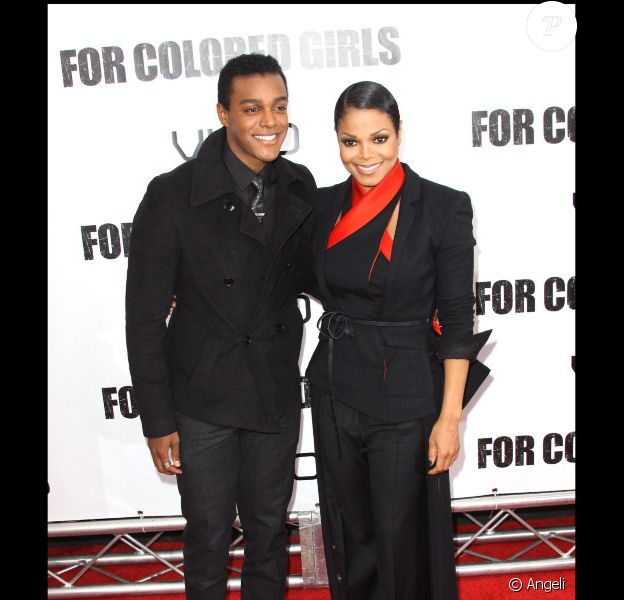 Janet Jackson et Austin Brown lors de l'avant-première du film For Colored Girls au Ziegfeld Theatre de New York le 24 octobre 2010