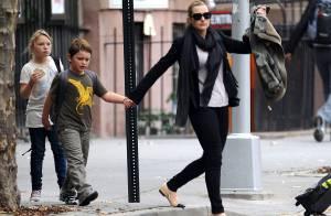 Kate Winslet partage le goûter avec ses deux petits anges !