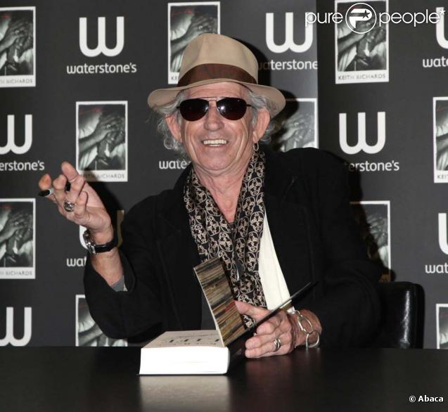 Séance de dédicace de Keith Richards, Londres, le 3 novembre 2010